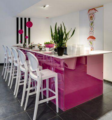 Igloo Bar Stool by Impaczone http://www.impaczone.com/products/18/Igloo-Bar-Stool-Gloss-White-750H2