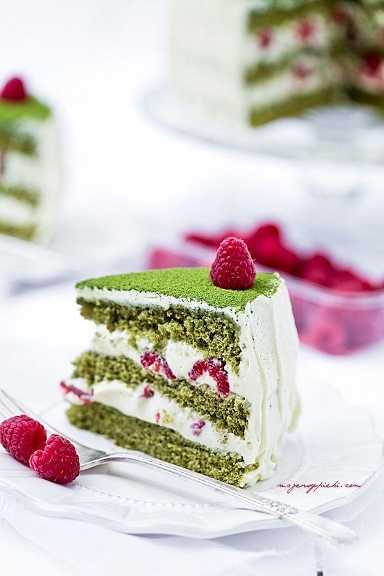 Green matcha cake with raspberries