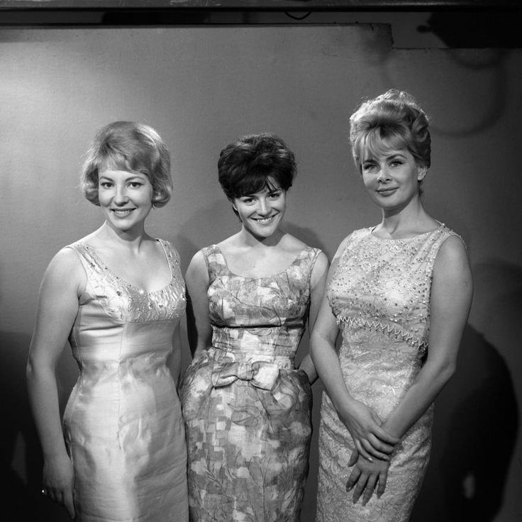 Jacqueline Caurat, Anne Marie Peysson, Jacqueline Huet speakerines à la télévision 1963. France.