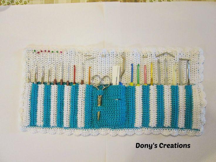 http://donyscreations.blogspot.it/2014/12/astuccio-porta-uncinetti-pattern-free.html