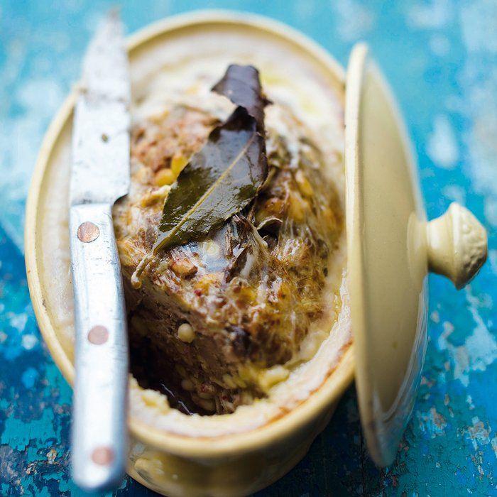 Terrine de la cabane : échine de porc • foies de volaille •  chair à saucisse •***