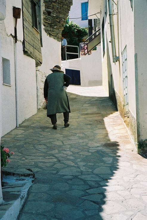 Like she walks in a postcard @ Manolates, Samos (Gr)