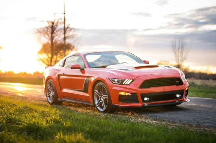 2015 Roush Mustang RS3 Front Right Side