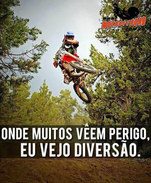 Onde muitos vêem perigo, eu vejo diversão. So quem pratica vai entender! SIGA - FOLLOW Acesse: www.motooffroad.com.br #partiutrilha #weekend #fds #fimdesemana #mx #mxgirl #MotoOffRoad #motooffroad #freestyle #ride #goride #lifestyle #amotrilha #rider #motocrosslife #endurocross #enduro #mxlove