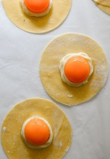 Raviolo With Egg Yolk In Truffle Scented Sage Brown Butter Sauce ...