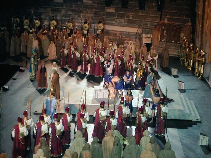 #Nabucco accorre agli orti pensili di #Babilonia per salvare Fenena e gli ebrei condannati #inarena