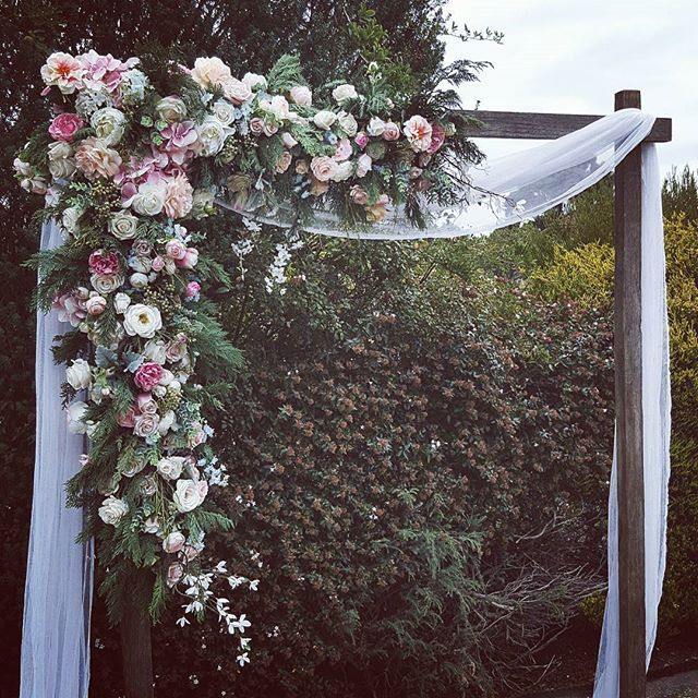 Rustic Wedding Arch Ideas: Best 25+ Country Wedding Arches Ideas On Pinterest