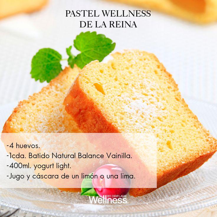 #WellnessByOriflame Bate los huevos en un bowl. Después añade el polvo del batido, el yogurt, el jugo de limón y la cáscara y mézclalos hasta que estén combinados. Vierte la mezcla en un molde para hornear de 24 cm (con mantequilla para que no se pegue el pan) y hornea a 180° durante 45-55 min. A nosotros nos gusta servirlo y acompañarlo con una salsa natural de frutos rojos.