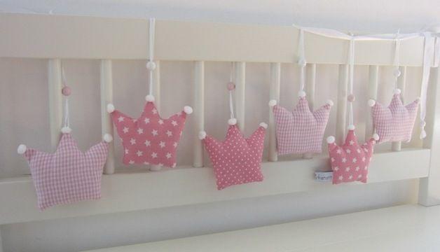 Kronen - Girlande fürs Kinderzimmer