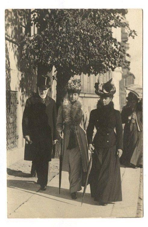 Empress Maria Feodorovna her sister Queen Alexandra.