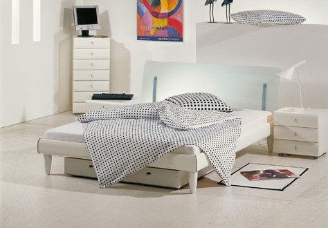 stilbetten bett futonbetten phil mit bettbeleuchtung 140x190 cm betten g nstig pinterest. Black Bedroom Furniture Sets. Home Design Ideas