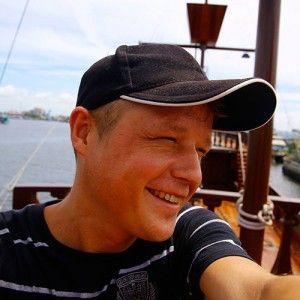 Авиабилеты Москва - Бангкок от 24000 руб.  Привет! Меня зовут Дмитрий.  Контакты  66941355102  travel@bangkokers.ru kugarov facebook vkontakte google twitter  Спасибо чтопосетили мой сайт BANGKOKERS.RU. Буду рад познакомиться с Вами лично на нашей экскурсии. Постараюсь сделать все возможное что бы у Вас остались теплые воспоминания о Бангкоке и нашем туре.  Если Высобираетесь отдохнуть в Таиланде то не спешите уходить с этого сайта. Здесь много полезной и интересной информации о стране…