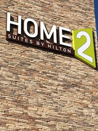 Home2 Suites by Hilton Denver/Highlands Ranch Highlands Ranch (Colorado) Home2 Suites by Hilton Denver/Highlands Ranch is set in Highlands Ranch, 21 km from Denver and 13 km from Meridian.  A flat-screen TV with cable channels, as well as an iPod docking station are offered.