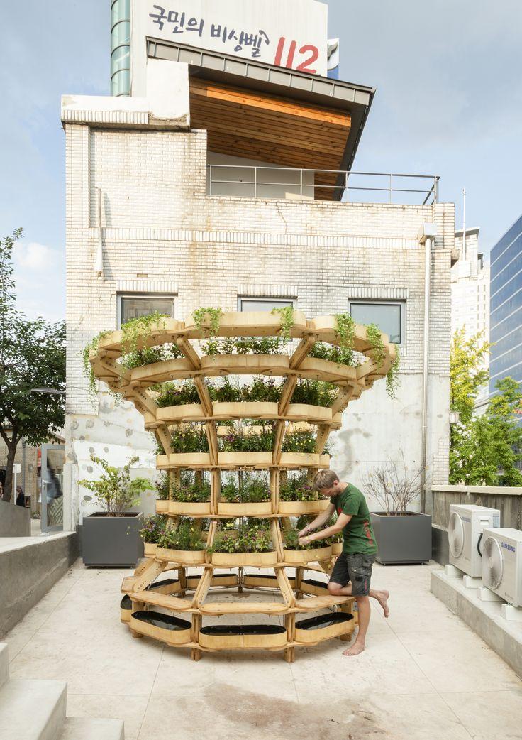 O projeto open source de Husum e Lindholm para uma estrutura modular de jardinagem urbana oferece uma possibilidade flexível para produção de alimentos.