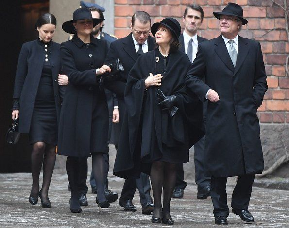 Newmyroyals: The Swedish Royal Family Attended a Moment of Silence for the Victims of the Stockholm Terror Attack, April 10, 2017-Queen Silvia, King Carl Gustaf, Crown Princess Victoria, Prince Daniel, Princess Sofia and Prince Carl Philip