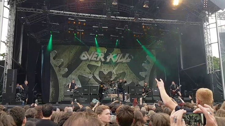"Overkill at the ""Into the grave""-festival 2017 in Leeuwarden. Could be the last time i saw them live given the health of Bobby Blitz. During songs he would get behind the cabinets and use an oxygen mask."