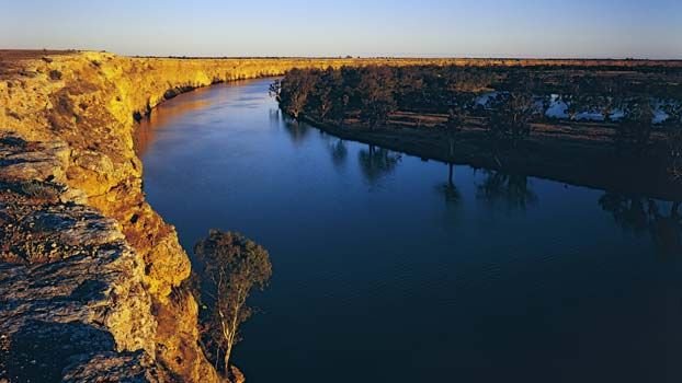 Camping along Murray River, South Australia