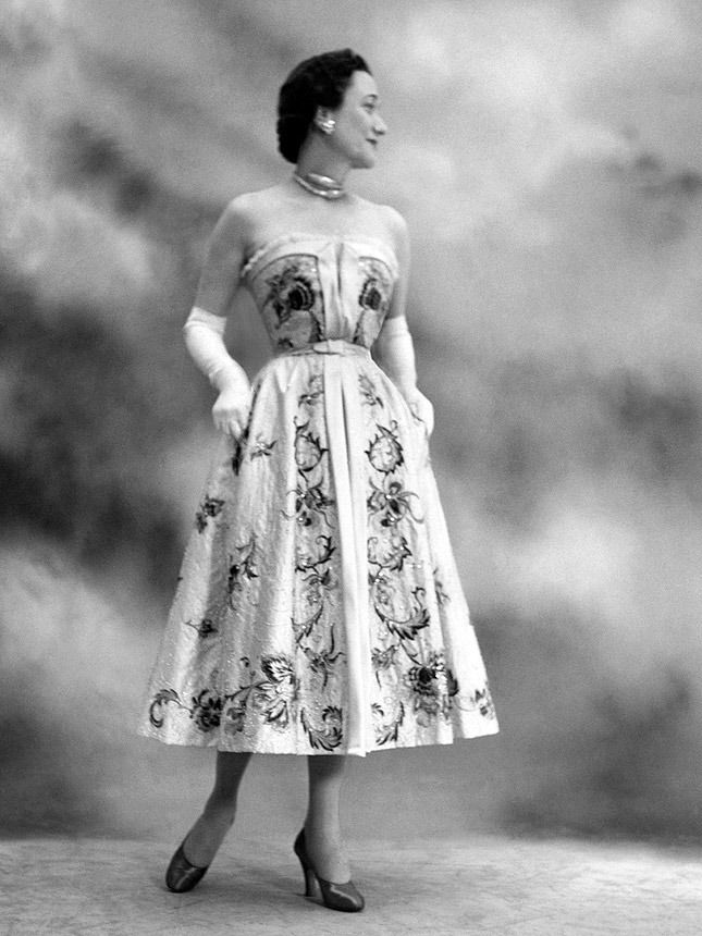 Уоллис Симпсон, герцогиня виндзорская, в платье Christian Dior, фото: Сесил Битон, 1937