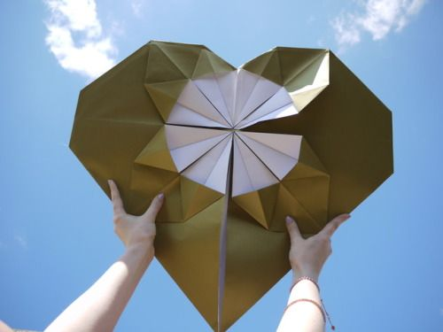 Offering big love up to the sky ♥ Luxury handmade wedding decorations Check out our store - paperstreetdolls.etsy.com