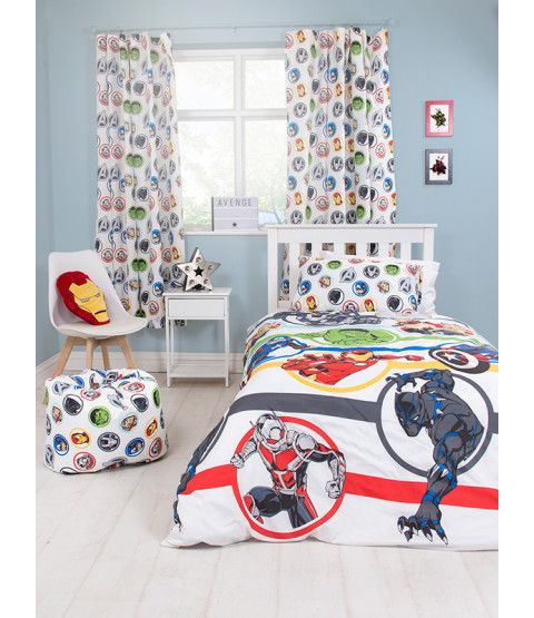 ThisMarvel Avengers Strong single duvet cover set features Black Panther, War Machine, Antman, The Hulk, Captain America, Thor and Iron Man in multi-coloured circles and stripes on a white background. Free UK delivery available.