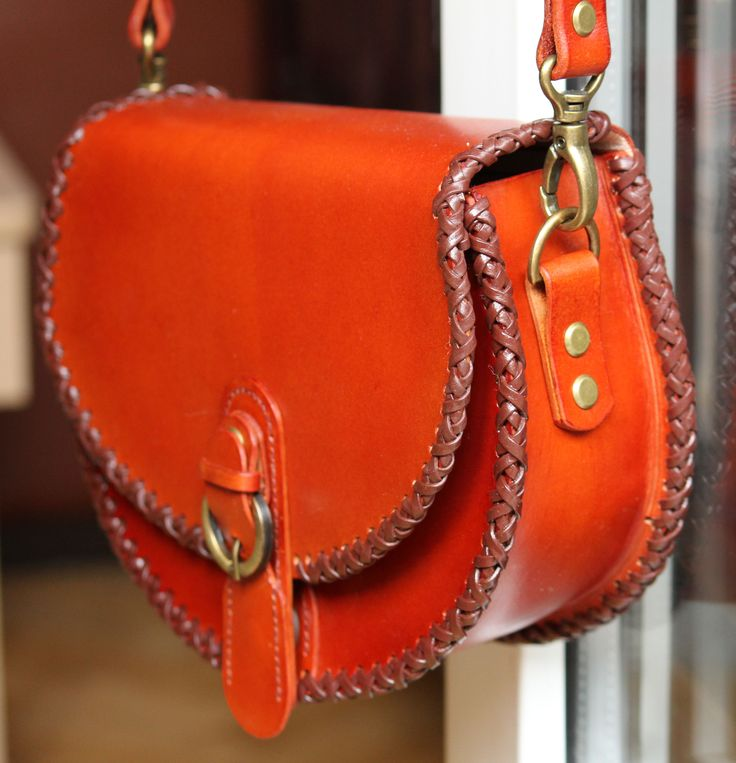 handcrafted leather women bag