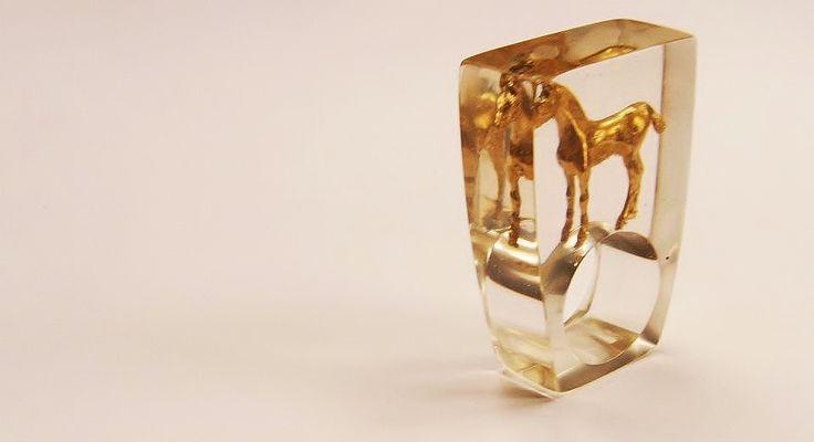 resina, bronce