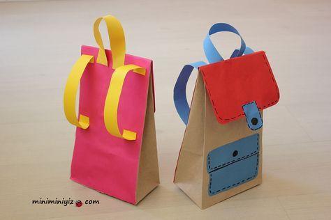 <p>Gelişim raporu için süslü karne kapağı örneği arıyorsanız, farklı ve orjinal bir örnek istiyorsanız bu çanta tam size göre. Kese kağıdından yaptığımız bu çantanın içine miniğimizin karnesini, diplomasını vee süpriz karne hediyesini koyabileceksiniz Haydi minikler çantamı taktım koluma çıktım tatil yoluna. :)))</p>