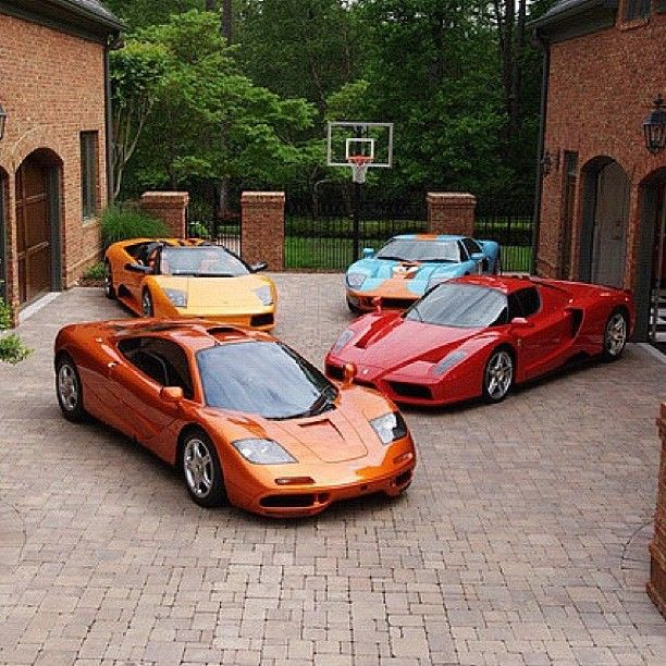 Clockwise, Top-Right : A V8 Ford GT40, the V12 Enzo Ferrari, A V12 Mclaren F1, & a V10 Lamborghini Gallardo Spyder.