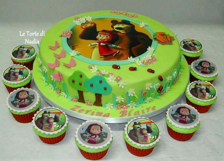 "Torta è Cupcakes ""Masha e Orso"" Info: 389 9355816 anche WhatsApp #letortedinadia #tortaalcioccolato #torta #torte #cake #cakedesign #tortabambini #cupcakes #mashaeorso #cisternadilatina  #tortamashaeorso"
