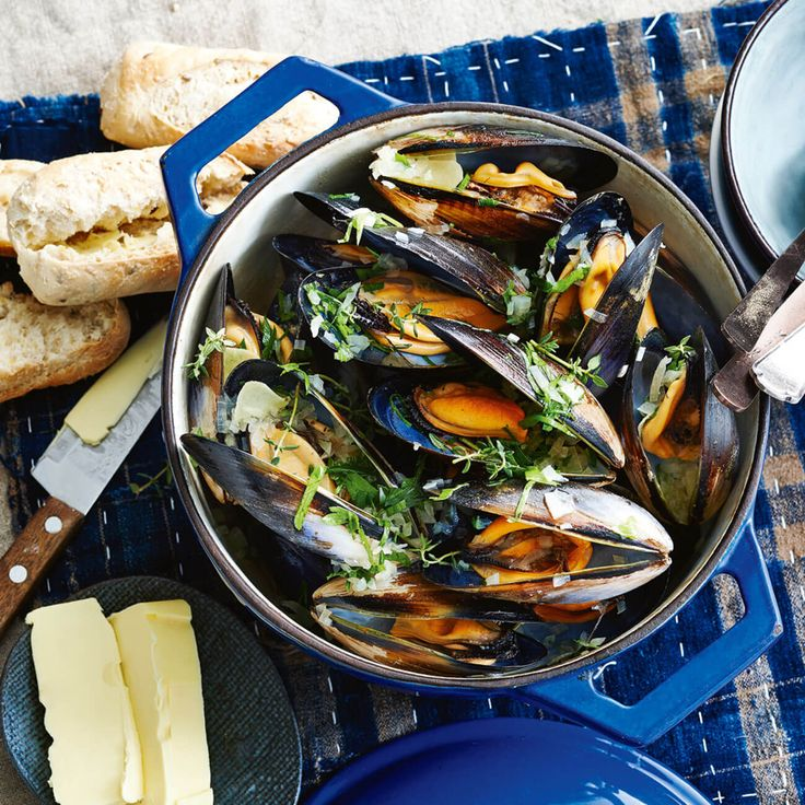 How to make Mussels in Beer with Crusty Bread #Mussels #Winter #Recipe