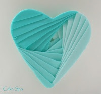 Cakes to Savour: Sugarcraft iris heart tutorial