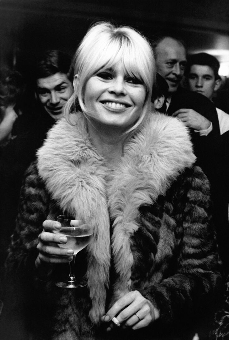 L'actrice Brigitte Bardot, circa 1960 �Paris, France . (Photo by REPORTERS ASSOCIES/Gamma-Rapho via Getty Images) via @AOL_Lifestyle Read more: https://www.aol.com/article/entertainment/2017/10/18/brigitte-bardot-then-and-now-see-the-bombshell-through-the-years/23247944/?a_dgi=aolshare_pinterest#slide=7127441