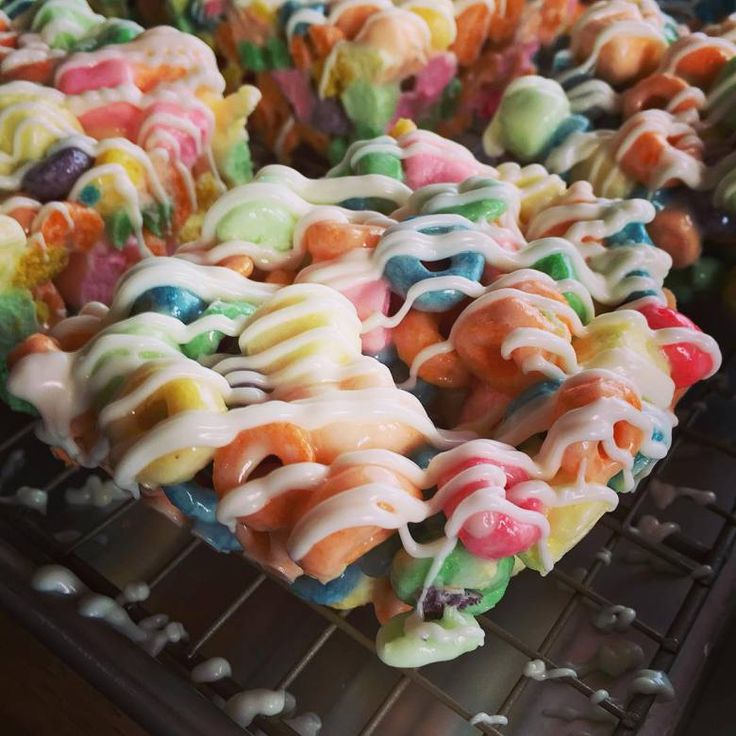 Pioneer Woman/Ree Drummond/Mike's Crispy Treat http://www.foodnetwork.com/recipes/ree-drummond/mikes-crispy-treats.html