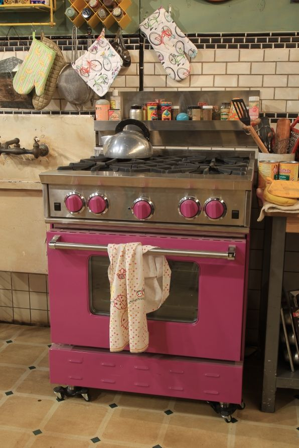 """They might be """"broke,"""" but we love the Purple Oven! Functional and fashionable! #2BrokeGirls"""