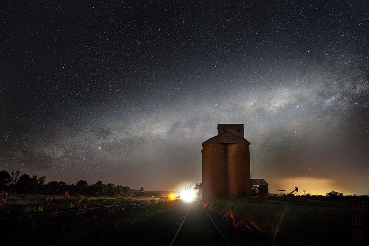 https://flic.kr/p/21S2DyY | Dubbo | On the Golden Highway, near Dubbo, NSW, Australia.  November 2017.  The abandoned silo is on the side of the Golden Highway, near the mid west NSW town of Dubbo.  Road trains intermittently rumble by and their headlights chase away the dark from hundreds of metres away.