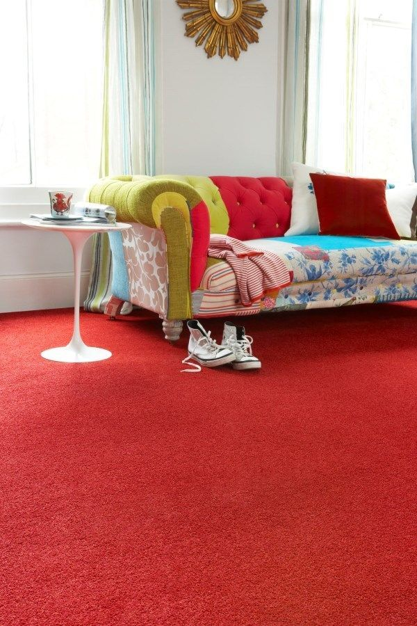 Bright plains mixed with mismatched furniture with