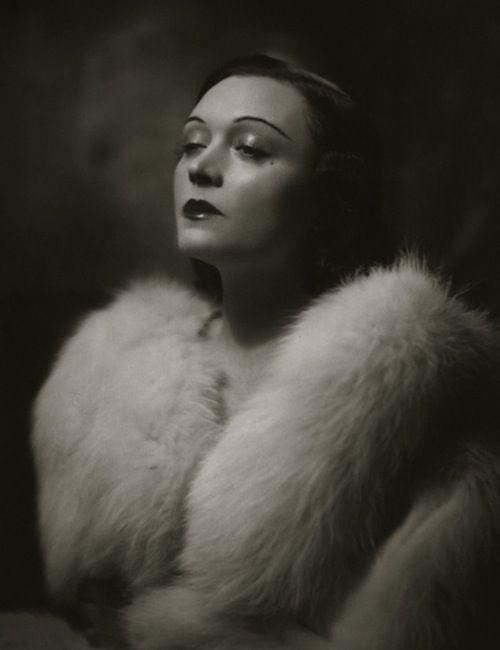 Pola Negri, c1937