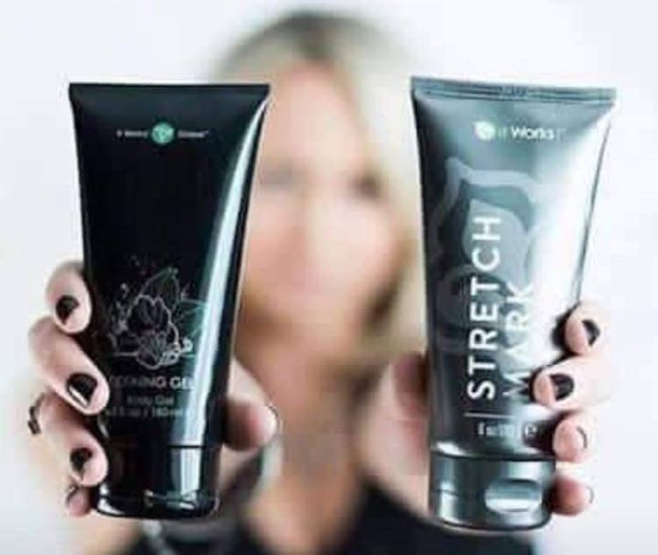 """Did you know by mixing the It Works Defining Gel AND the Stretch Mark cream together you create a fabulous """"Skinny Cream""""? Not only will it help with stretch marks cellulite varicose veins and scars...it will also tighten tone and firm your skin!"""