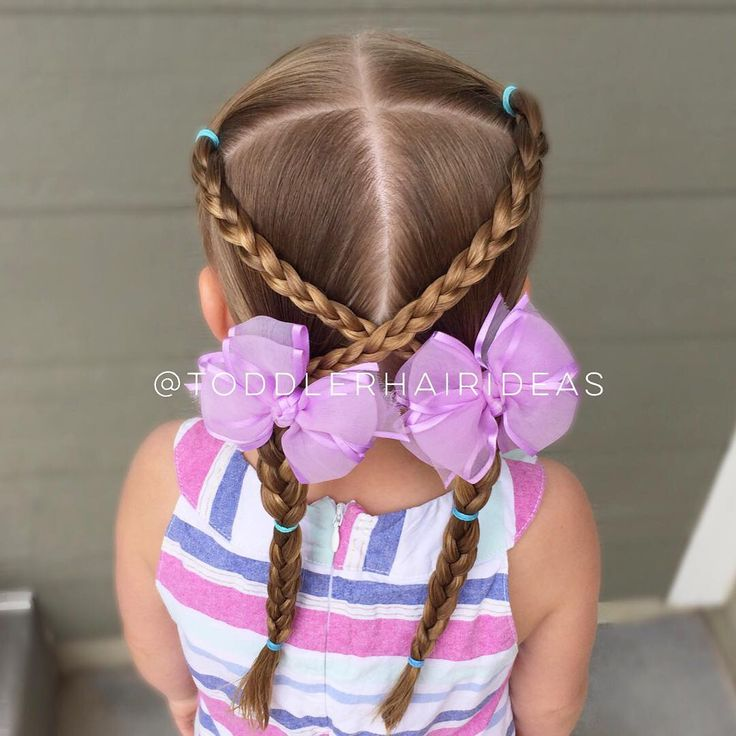 """676 curtidas, 10 comentários - Cami  Toddler Hair Ideas (@toddlerhairideas) no Instagram: """"We're off to the water park today, so I wanted something easy but durable! This one is our go-to…"""""""