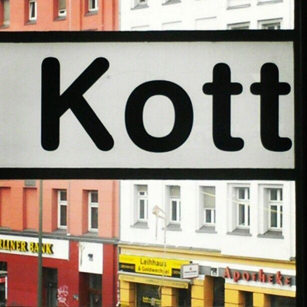 Typography on the Berlin u-bahn