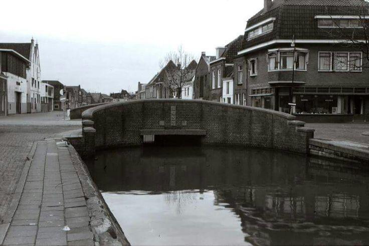 Achtergracht in Weesp, is omstreeks 1960 gedempt