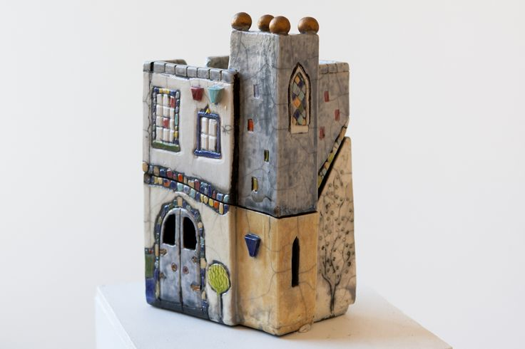 Treasure House, a raku fired lidded box by Lynne Wilson