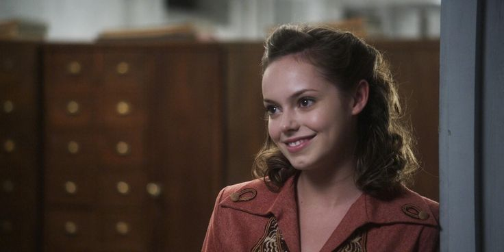 Hannah Tointon as Hannah Schoen in Walking With The Enemy