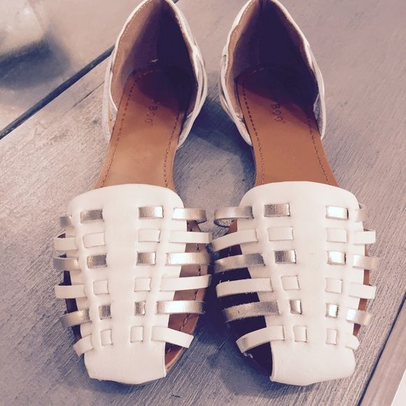"""Bamboo """"Lynna-69"""" WHT strappy flat Two-tone strappy flat. New in box ! Shoes Flats & Loafers"""