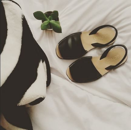 Keep it simple and chic in the schuh Barcelona sandals like @_paleamethyst