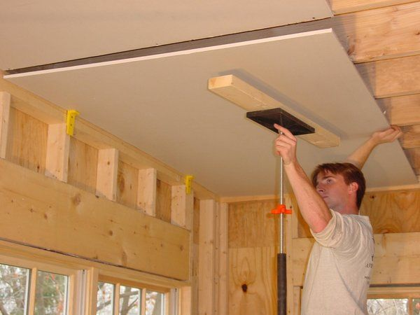 We are going to be doing a lot of renovation to our home and need to replace the ceiling in our basement. It seems like a dry way jack would make it so much easier for my husband and me to do. The fact that this guy is putting up the drywall by himself is really reassuring.