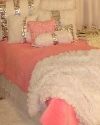 Glitz and Glamour Pink Bedding for my Girls way cuter for little girls then leopard or zebra print.. over it