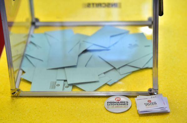 Une journaliste de Buzzfeed France a réussi à voter quatre fois au second tour de la primaire à gauche. Inscrite sur les listes électorales depuis la fin de l'année 2016, elle n'a pas eu besoin de présenter un justificatif d'inscription.