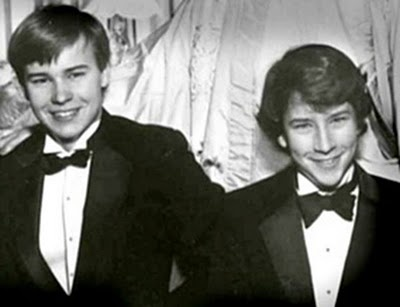 Gloria Vanderbilt's sons Anderson Cooper and his older brother Carter Cooper who committed suicide at the age of 23 in 1988.