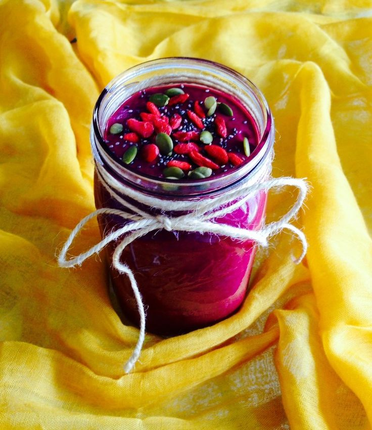 Wake Up Sunday With This Berry Goddess Smoothie